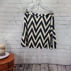 Buttons chevron black and white skirt